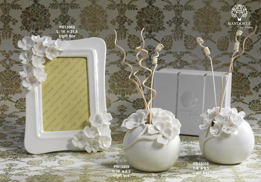 18C6 - Collezioni Porcellana-Ceramica - Mandorle Bomboniere  - Prodotti - Rebolab