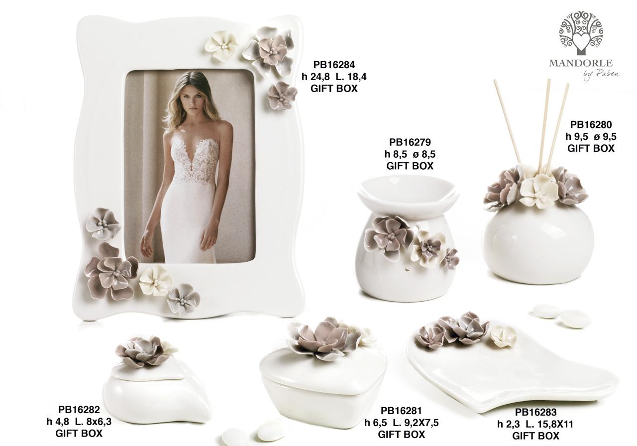 1BAD - Collezioni Porcellana-Ceramica - Mandorle Bomboniere  - Prodotti - Rebolab